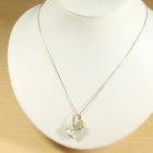 白蝶貝(ホワイトシェル) ダイヤモンド イエローゴールド ハートモチーフ ペンダントトップ